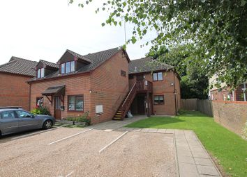 Thumbnail 1 bed flat for sale in Brighton Road, Crawley, West Sussex.