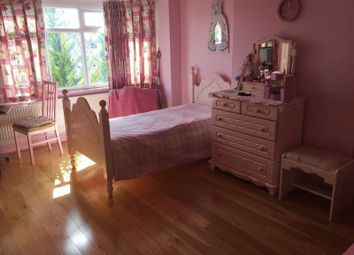 Thumbnail Room to rent in Snaresbrook Drive, Stanmore, Middlesex