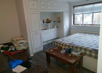 Thumbnail 4 bed detached house to rent in Gaysham Avenue, Gants Hill
