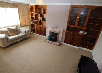 Thumbnail 2 bedroom flat to rent in Russell Street, Reading