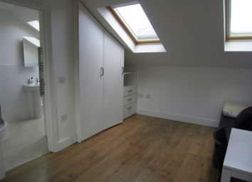 Thumbnail 1 bed flat to rent in Macfarlane Road, London