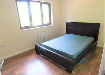 Thumbnail Room to rent in Manordene Road, London
