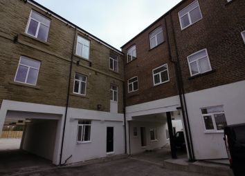 Thumbnail 2 bedroom flat to rent in Whingate, Leeds