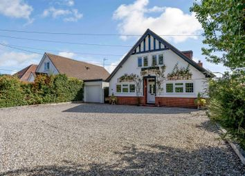 Writtle Road, Chelmsford CM1. 4 bed detached bungalow