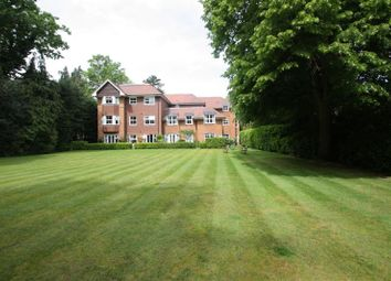 Thumbnail 2 bed flat to rent in Woodlands House, W.Byfleet