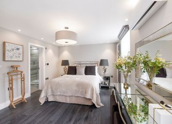Thumbnail 5 bed terraced house to rent in Court Close, St John's Wood Park, London