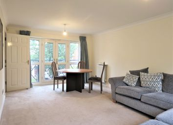 2 bed flat to rent in Pumping Station Road, Chiswick W4
