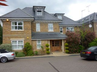 Thumbnail 2 bed flat to rent in Ducks Hill Road, Northwood