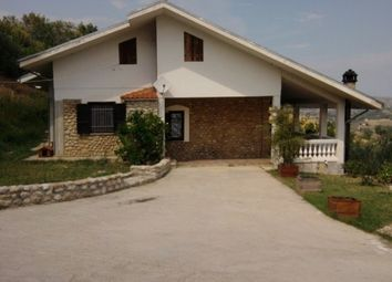 Thumbnail 4 bed villa for sale in Penne, Pescara, Abruzzo