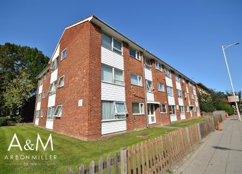 2 bed flat for sale in Bridgeview Court, New North Road, Hainault IG6