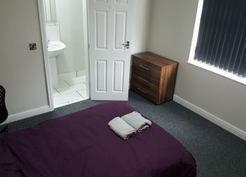Thumbnail 5 bed town house to rent in 71 Ash Street, Burton-On-Trent
