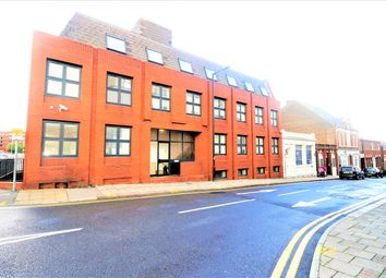 Thumbnail 1 bed flat to rent in King Street, Luton