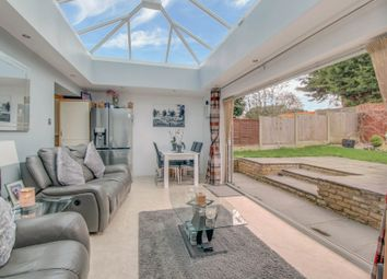 4 bed property for sale in Elizabeth Drive, Wickford SS12