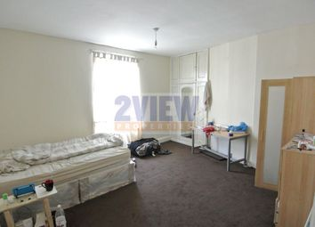 Thumbnail 4 bed property to rent in Brudenell View, Leeds, West Yorkshire