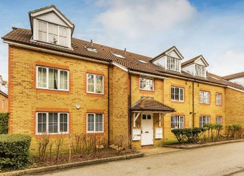 Thumbnail 2 bed flat for sale in Aspen Vale, Whyteleafe, Surrey