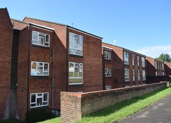 Thumbnail 1 bed flat to rent in Linchfield, High Wycombe