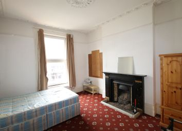 3 bed flat to rent in Caledonian Road, Islington, London N1