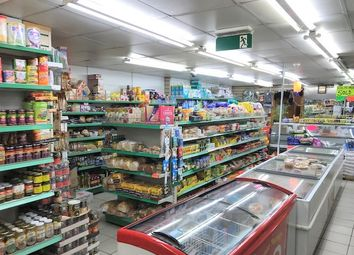Retail premises to let in Willesden, London NW10