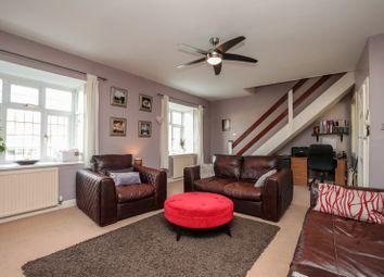Kingston Road, Ewell, Epsom KT19. 3 bed flat for sale