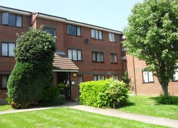 Thumbnail 1 bed flat to rent in Hadley Road, New Barnet