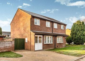 3 bed property to rent in Wensum Crescent, Bicester OX26