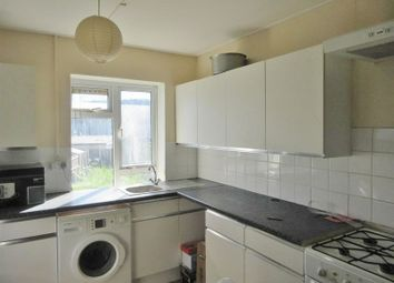 Thumbnail 3 bed flat to rent in Barcombe Road, Brighton