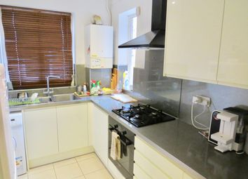 Thumbnail 2 bed flat to rent in Lodge Lane, Finchley