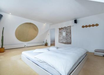Thumbnail 2 bed flat for sale in Friars Stile Road, Richmond