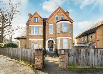3 bed flat to rent in Dryburgh Road, Putney SW15