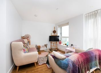 Thumbnail 3 bed flat to rent in 7 Queensland Road, London