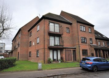 2 bed flat to rent in Sheraton Mews, Gade Avenue, Watford WD18