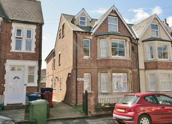 Thumbnail 2 bedroom flat to rent in Fairacres Road, Oxford