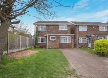 Thumbnail 5 bedroom detached house for sale in Ivy Close, Dunstable, Bedfordshire, England