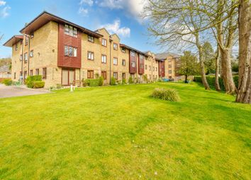 Thumbnail 2 bed flat for sale in Reigate Hill, Reigate