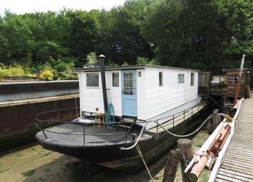 Thumbnail 3 bed houseboat for sale in Pinmill, Ipswich
