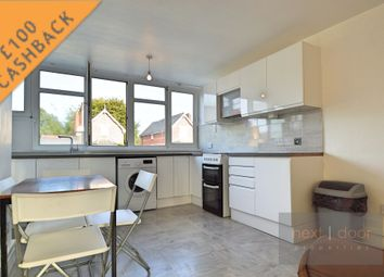 3 bed flat to rent in Flodden Road, Oval SE5