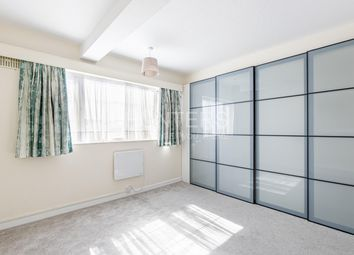 Thumbnail 3 bed flat to rent in Regent Court, Amhurst Park, London