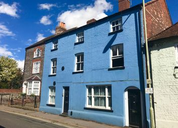 Thumbnail 2 bed flat to rent in Town Centre, Wallingford