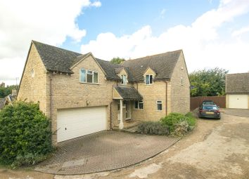 Thumbnail 4 bed detached house for sale in Webbs Close, Chadlington, Chipping Norton