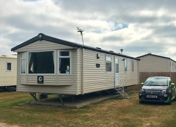 Thumbnail 2 bedroom mobile/park home for sale in Long Acre, Church Farm, Pagham, Bognor Regis, West Sussex