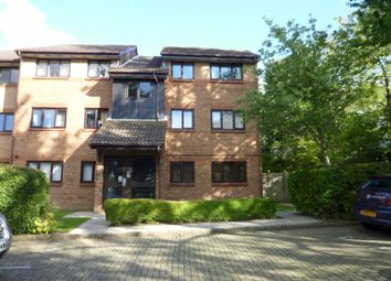 Thumbnail 2 bedroom flat to rent in Downs Close, Waterlooville