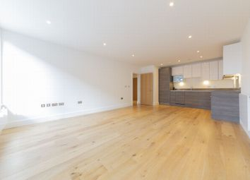Thumbnail Flat to rent in 2 Aurora Point, Plough Way, Surrey Quays, London