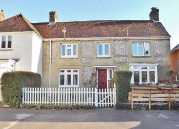 Thumbnail 3 bed cottage for sale in London Road, Horndean, Hampshire