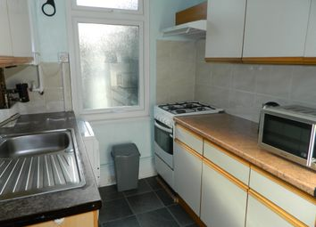 Thumbnail 1 bed flat to rent in Sunnycroft Road, Hounslow