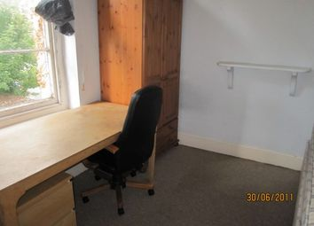 Thumbnail 4 bed flat to rent in St Johns Road First, Clifton