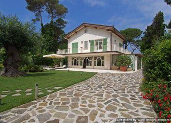 Thumbnail 6 bed villa for sale in Via Leonardo Da Vinci, Forte Dei Marmi, Lucca, Tuscany, Italy