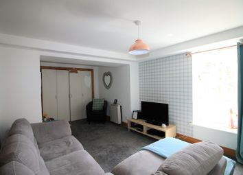 Thumbnail 1 bed flat for sale in Couper Street, Edinburgh