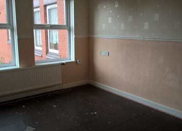 Thumbnail 1 bed flat to rent in Stalybridge Avenue, Hull, East Riding Of Yorkshire