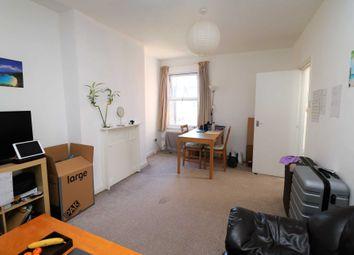 Thumbnail Flat to rent in Oakley Garden, London
