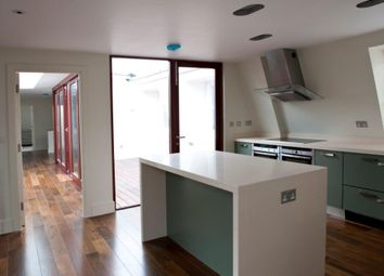 Thumbnail 3 bedroom flat to rent in Weymouth Street, Marylebone, London
